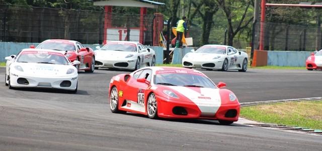 Sentul – Minggu (17/08), Sirkuit Sentul kembali menggelar kejuaraan Indonesian Sentul Series of Motorsport (ISSOM) seri 3 2014. Dalam seri ini tidak ada perubahan dari jumlah kelas yang diperlombakan sebelumnya. […]