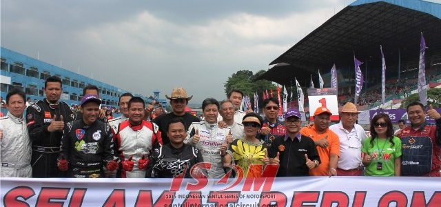 Sirkuit Sentul – Minggu (12/04), Seri perdana Indonesian Sentul Series of Motorsport (ISSOM) 2015 selesai digelar. Dalam ISSOM 2015 kali ini total 13 kelas dipertandingkan, termasuk kelas baru yakni kelas […]