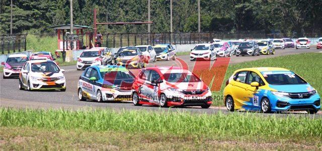"Sirkuit Sentul – Minggu kemarin (07/04), Sirkuit Sentul kembali menggelar seri perdana Kejuaraan Nasional Balap Mobil yang bertajuk ""Indonesia Sentul Series of Motorsport (ISSOM)"". Ajang bergengesi balap mobil ini di […]"